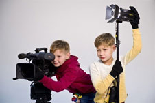 Курсы обучения видеомонтажу для школьников и подростков в Киеве,обучение видеодизайну и видеографике, работе с Ютуб-каналом. Учебный центр Успех