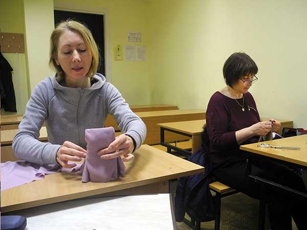 Занятие по курсу кроя и пошива штор и текстиля в интерьере в учебном центре Успех (Киев)